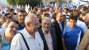 Στην ομιλία του Κ. Καραμανλή στο Λαύριο (09/2009)
